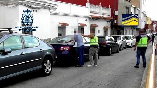 La police arrête un homme soupçonné de faire partie de l'organisation Etat Islamique en Espagne.