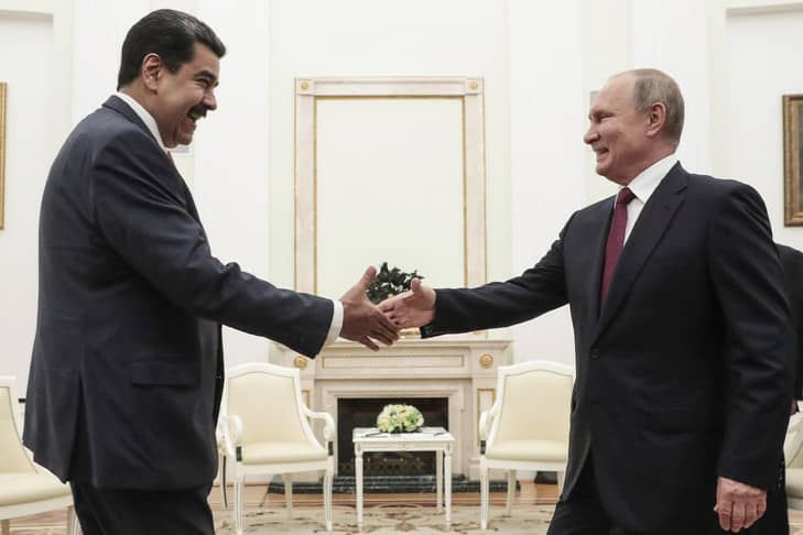 Vladimir Poutine voit d'un bon œil le dialogue entre Maduro et l'opposition