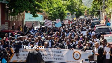 Photo of Haïti-Actualités: Des avocats ont investi les rues pour demander justice pour Me. Monferrier Dorval