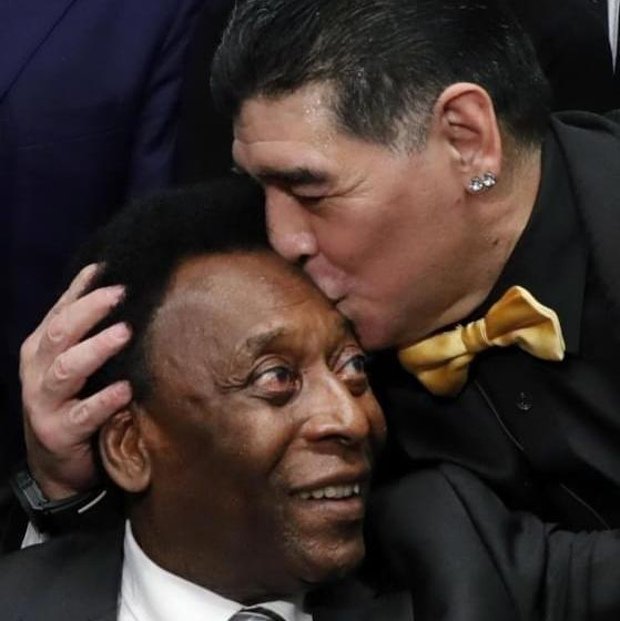 Football:L'hommage poignant de Pelé à Diego Maradona