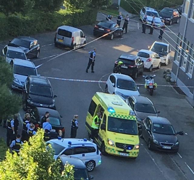 Politiet var massivt til stede efter en skudepisode på Thoravej torsdag morgen. Foto: Allan Jørgensen/Indieframe