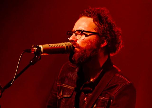 Mikael Simpson er taget på sin første solo-turné og den bringer ham fredag til Slagelse.  Foto: Kim Matthäi Leland (CC BY-SA 3.)