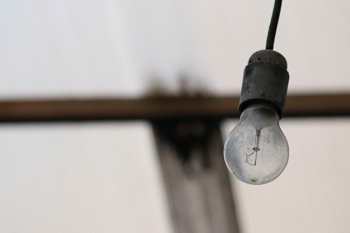 Huse mistede strøm efter færdseluheld