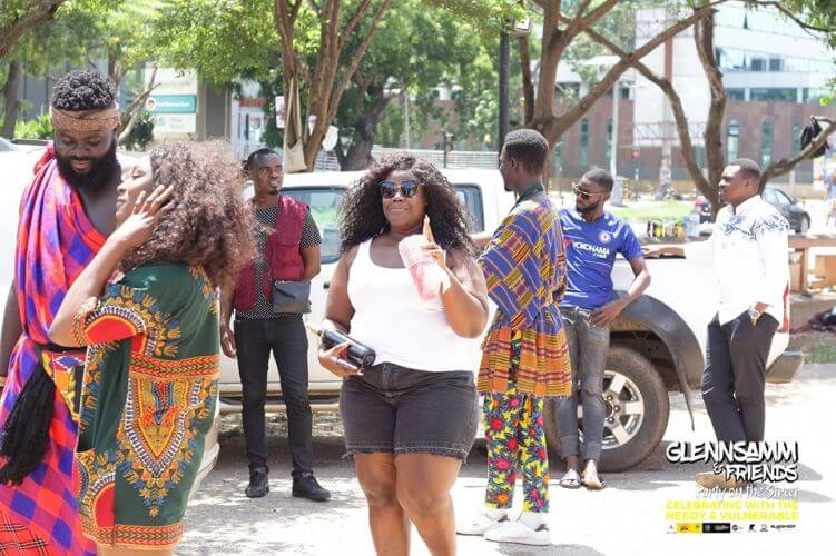 GlennSamm and Friends fete urchins on the street of Accra