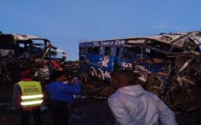 5 killed in Kenya bus crash