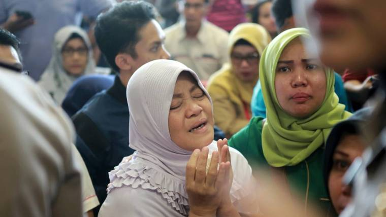 Lion Air plane crashes in Indonesia with 188 passengers, 6 bodies found