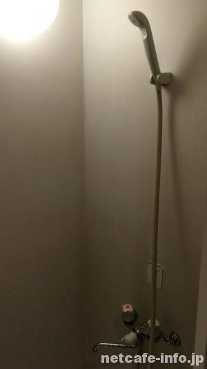 マンボー新宿総本店 シャワー
