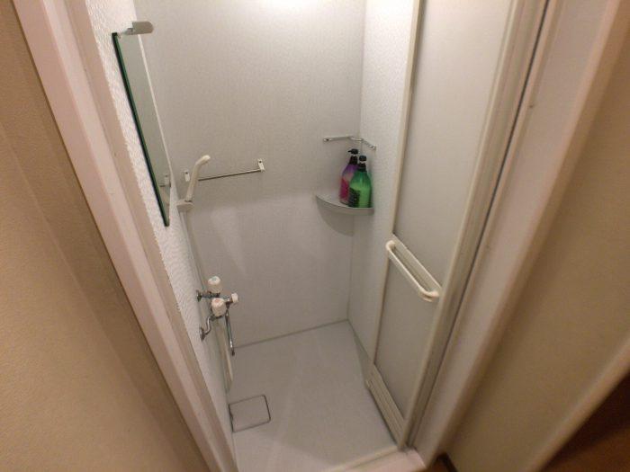 シャワールームの中③