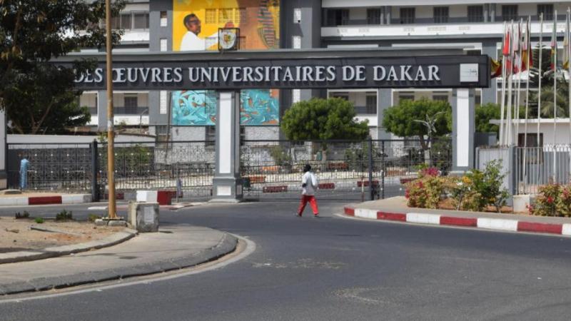 Les cours suspendus dans les universités aussi!