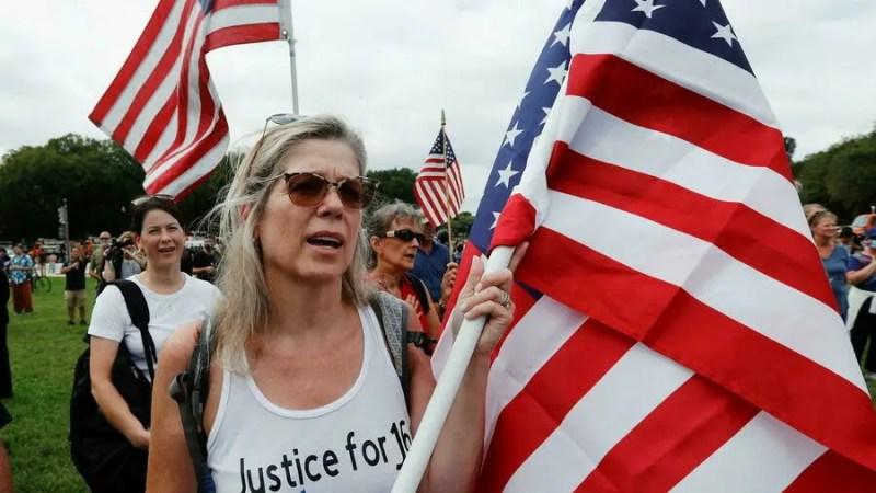 À Washington, une foule pacifique devant le Capitole en soutien des pro-Trump