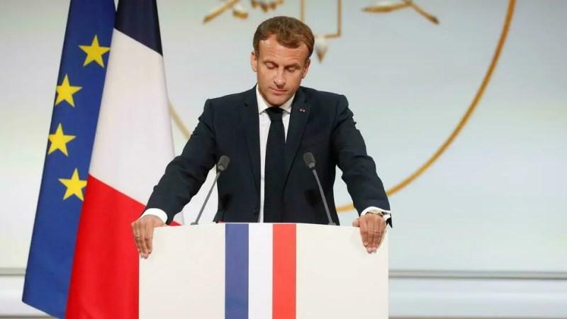 Emmanuel Macron «demande pardon» aux harkis au nom de la France, promet «réparation»