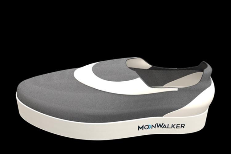 20 16 moonwalker sneakers