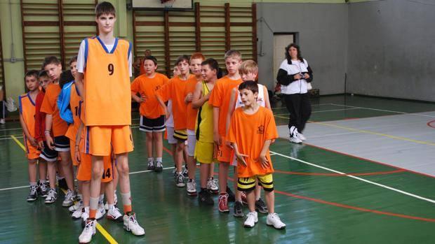 1120basketball_tall_boy5