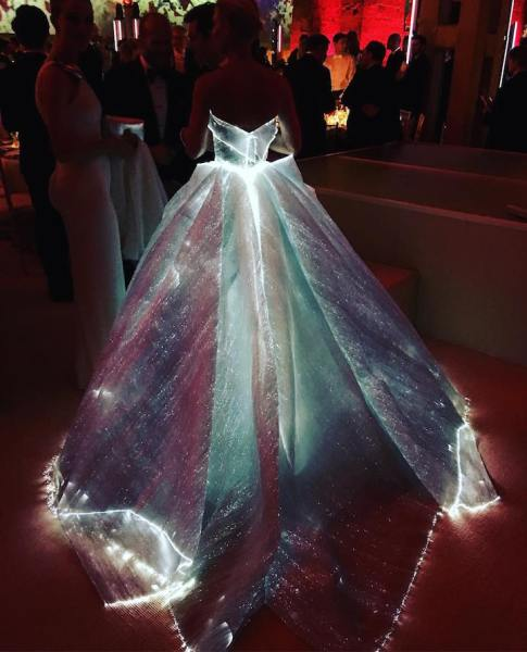 lighting_weddingdresses4