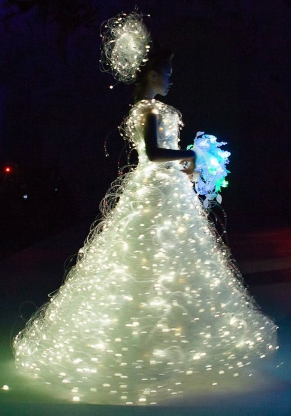 lighting_weddingdresses5
