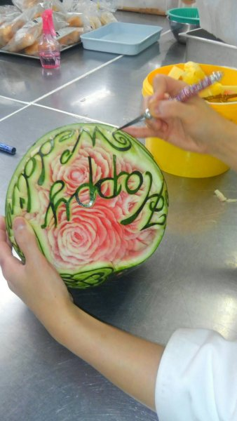carving_watermelon1
