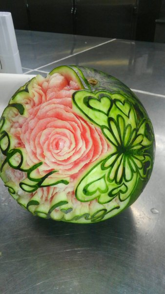 carving_watermelon3
