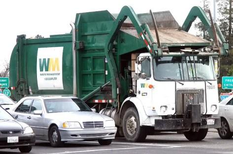 Hindi Kahani - Garbage truk2