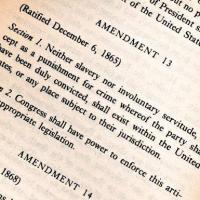 """18 décembre 1865, Abolition de l'esclavage aux USA, «Ni esclavage, ni aucune forme de servitude...""""  (...)"""