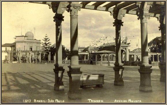 Entre 1916 e 1957, o Belvedere Trianon mostrando ao fundo o Observatório.Neste local será construido o MASP.