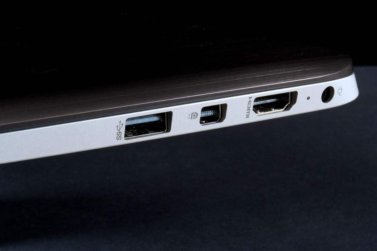 hp-spectre-13-laptop-display-ports-1500x1000.jpg?fit=1200%2C800&ssl=1