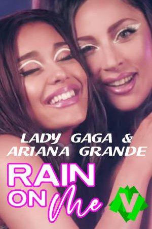 Dua Lipa y Ariana Grande abrazadas