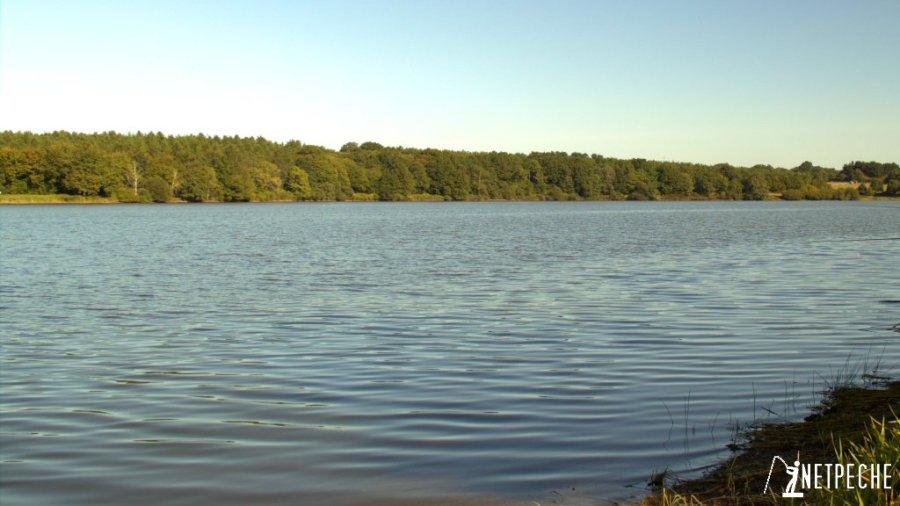 peche anglaise coulissant vue du lac moulin papon