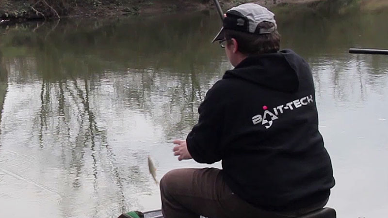 sélectionner la pêche de brèmes au lieu de la pêche de gardons et ablettes