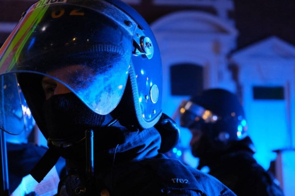 Riot police in Bristol disperse a #KillTheBill protest