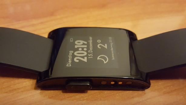 Pebble Smartwatch Ladekontakte