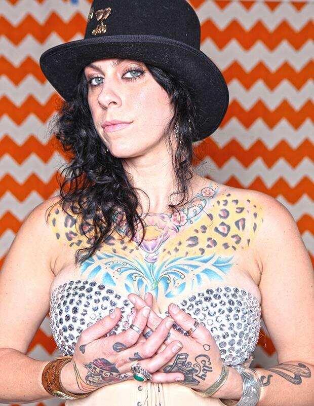American Picker Danielle Tattoo : american, picker, danielle, tattoo, Danielle, Colby, Biography:, Worth,, Tattoos,, Husband,