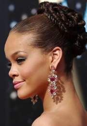 top rihanna hairstyles short