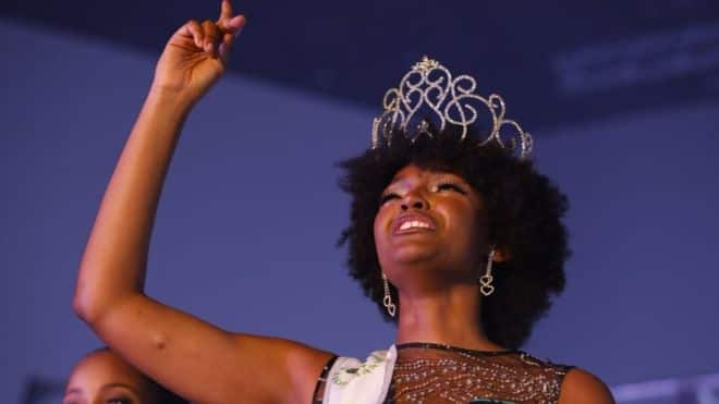 Miss Congo Dorcas Kasinde's hair catches fire on stage after winning Miss Africa 2018