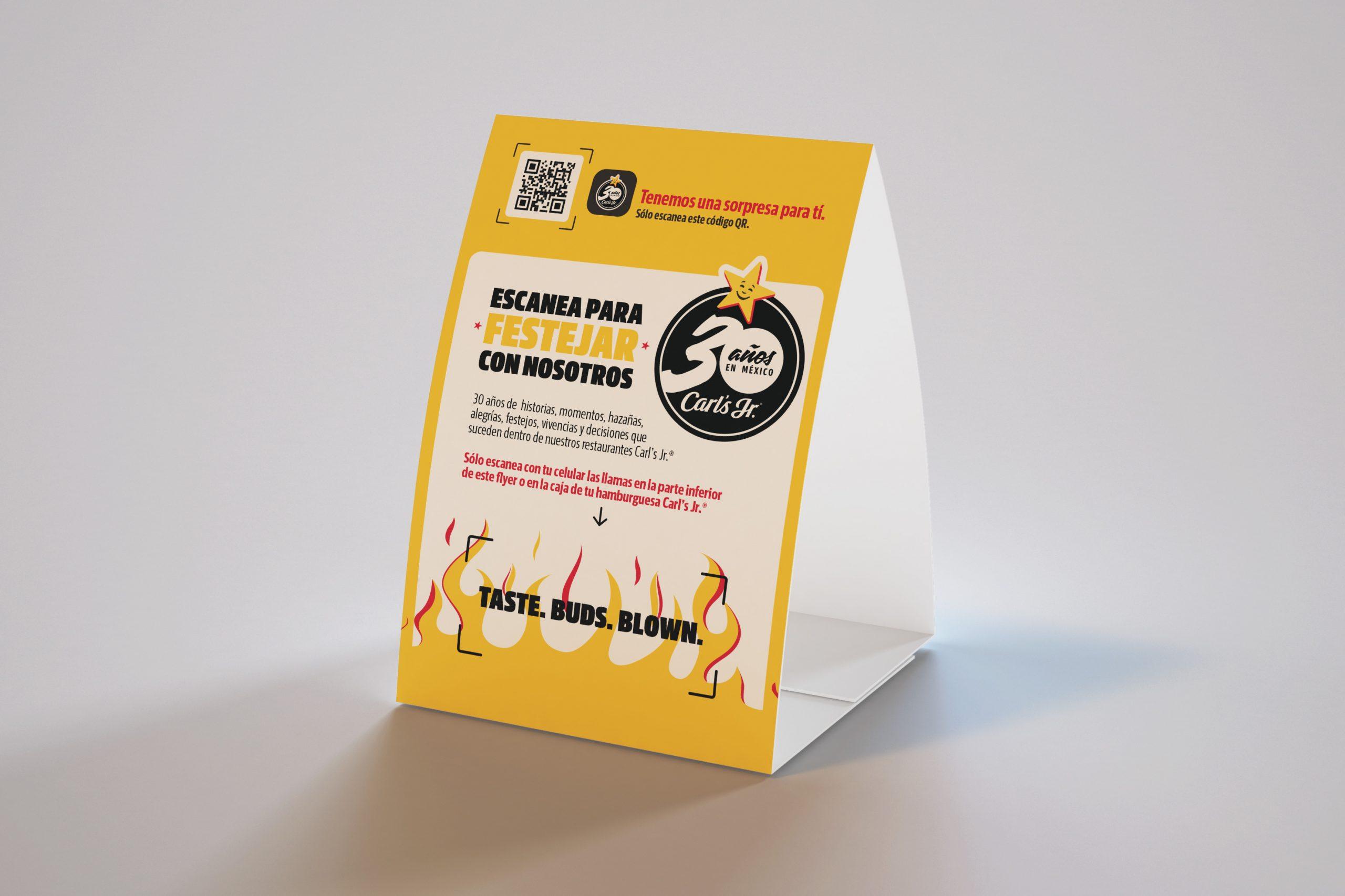 carlsjr_30-aniversario_tent_card_mockup