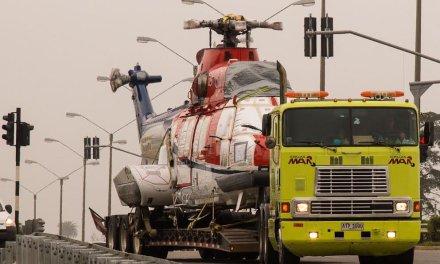 Grúas MAR realizó el traslado sin precedentes de dos helicópteros ambulancia