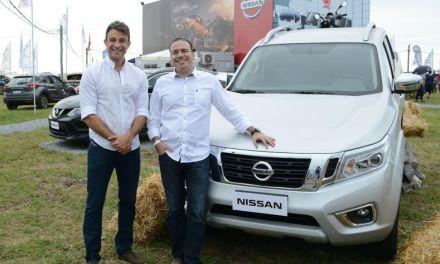 La nueva Nissan NP300 Frontier fue el vehículo oficial de la Expoactiva Nacional