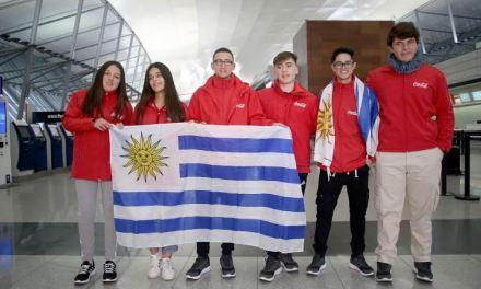 """Seis jóvenes """"Abanderados"""" partieron hacia el Mundial de Rusia"""