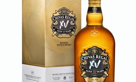 Chivas Regal Mizunara y XV llegan a Uruguay con la esencia del auténtico whisky escocés