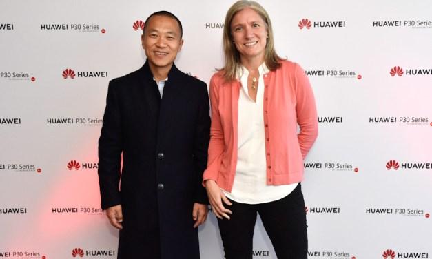 Huawei presentó a Claro su revolucionario P30 Series