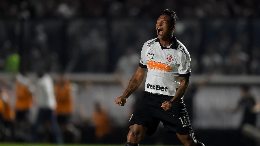 Fredy Guarin se aproxima da reestreia pelo Vasco, que deve acontecer já na Taça Rio