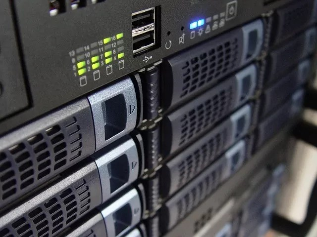 reasons for having a dedicated server