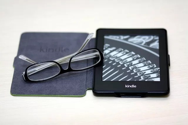 link a kindle device to Goodreads
