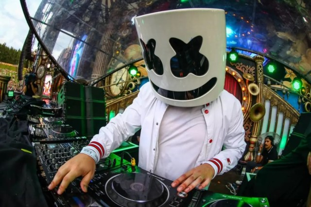 6 Things To Know About Chris Comstock (Marshmello) The Sensational DJ -  Networth Height Salary