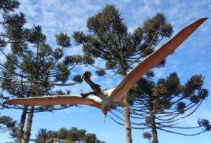 Flugsaurier-Paläoart vor Araucarien