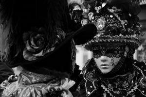 Wer ist wer? Masken gehören zum Karneval in Venedig dazu.