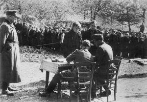 Bundesarchiv_Bild_183-J27288,_Frankreich,_Bretagne,_Einsatz_gegen_die_Resistance