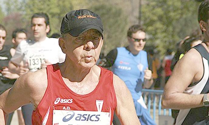 Antonio González Pacheco bei einem Lauf in Madrid 2010.