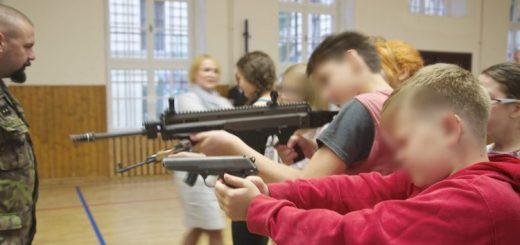 Programm POKOS: In Tschechien sollen Kinder für das Kriegshandwerk begeistert werden.