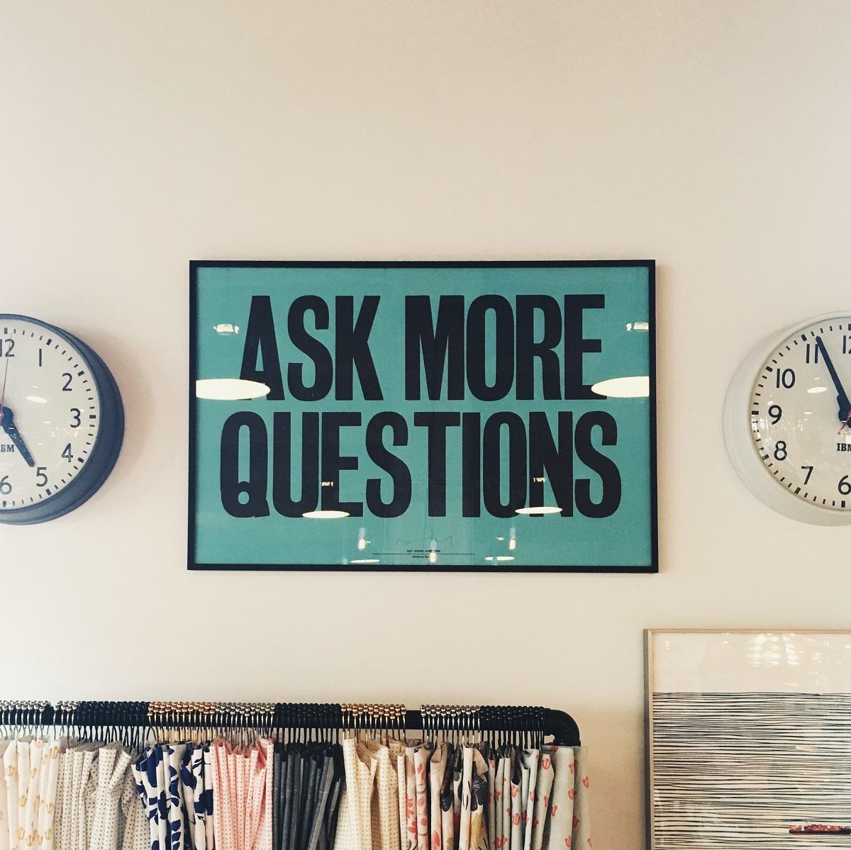 Stellt mehr Fragen, nehmt Kontakt auf, werdet neugierig. (Foto: Jonathan Simcoe, Unsplash.com)