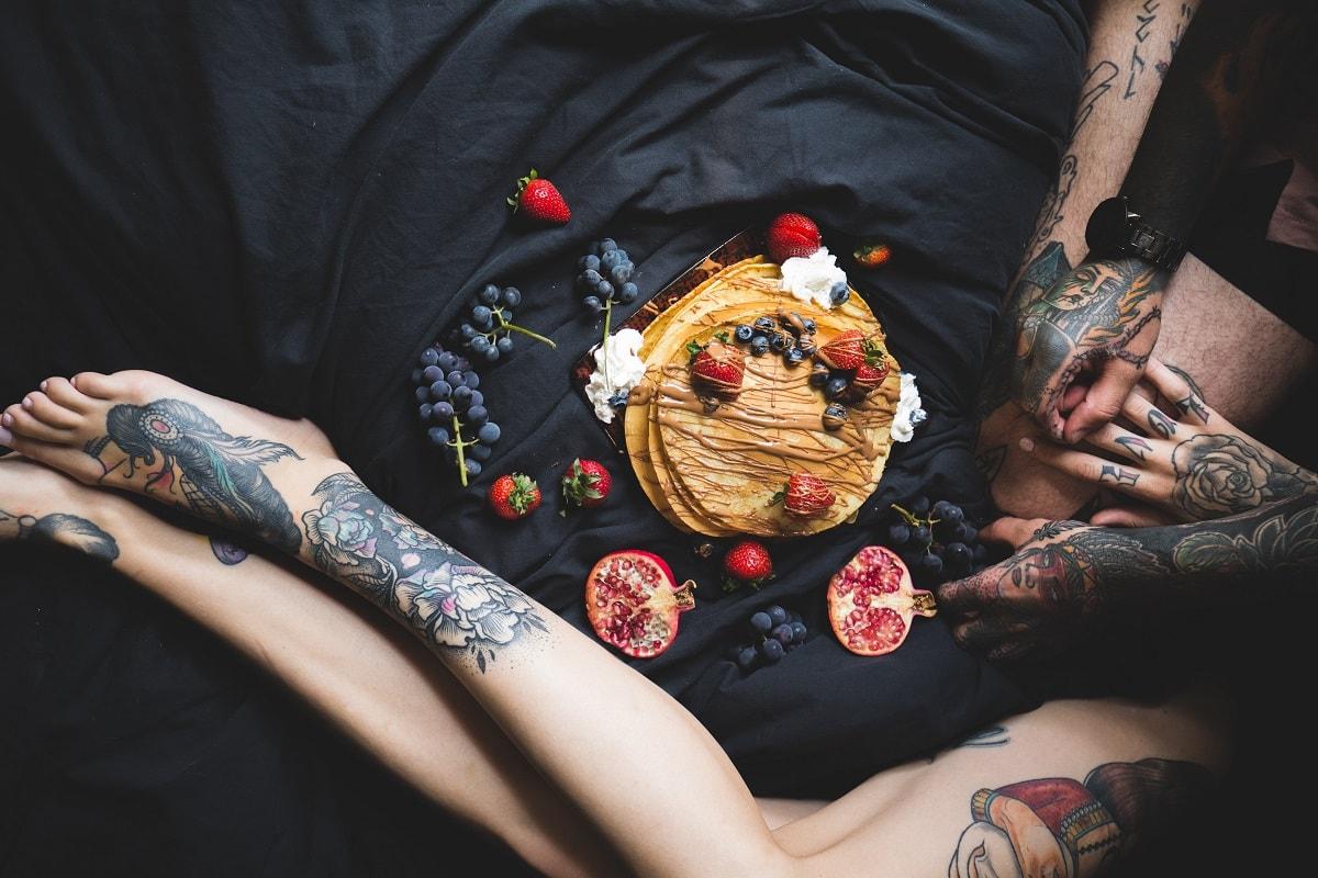 Der Mut zum Sein durch Mann und Frau dargestellt. (Foto: Etienne Beauregard Riverin, Unsplash.com)